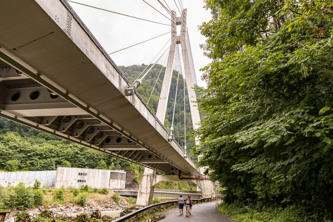 Под мостом новой трассы