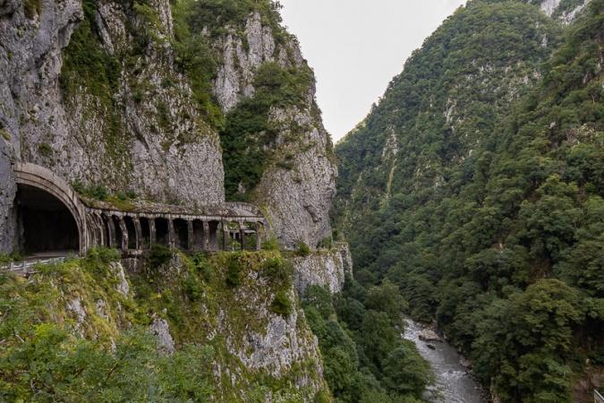 Тоннель в ущелье Ахцу