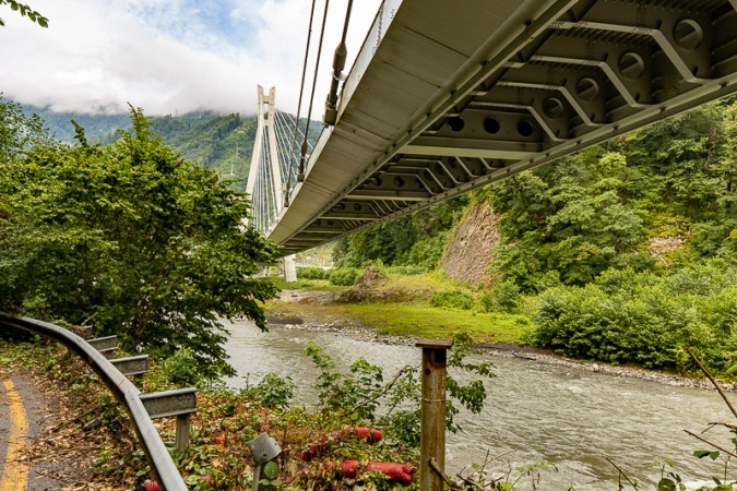 Вид на мост в сторону Красной Поляны